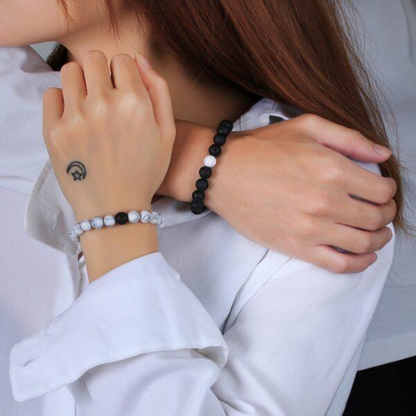 Vnox femmes hommes attrayant Couples Bracelets porte-bonheur 8 MM naturel pierre volcanique perles saint valentin anniversaire cadeaux bijoux 1