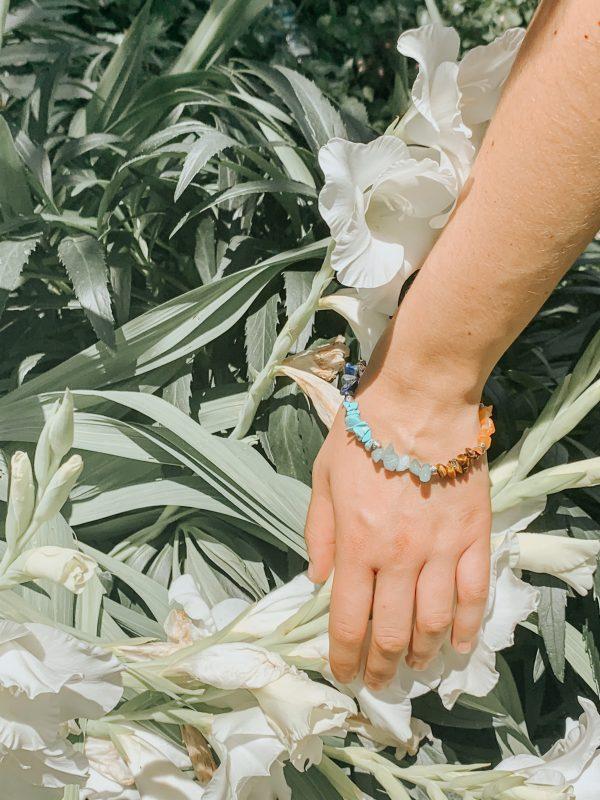 présentation floral bracelet énergétique 7 chakras