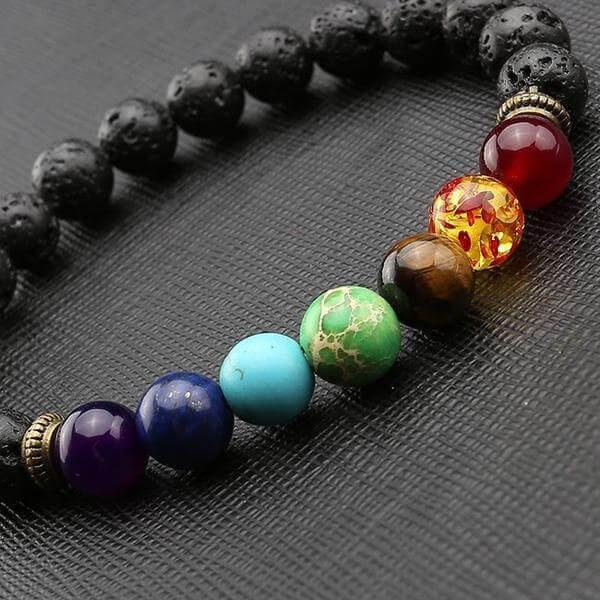 bracelet de guerison 7 chakras et pierre de lave