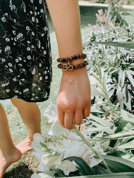 bracelet double en pierre oeil de tigre et om