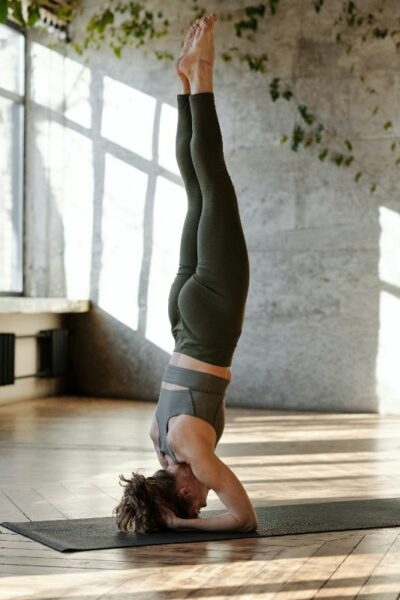 yoga position equilibre