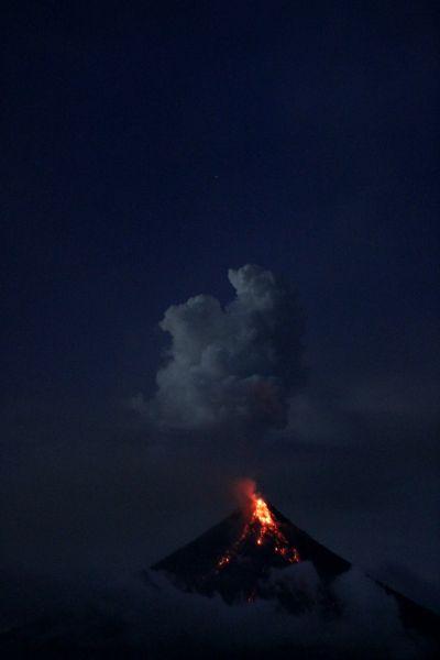 roche volcanique en feu