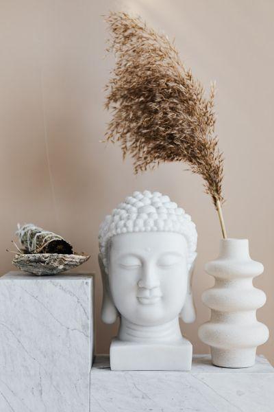 statue tete de bouddha calme