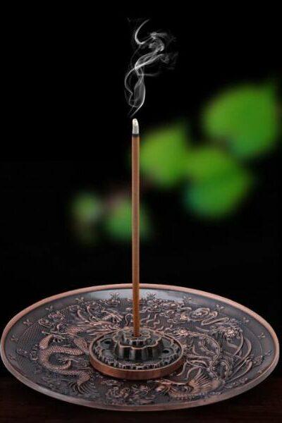 baton d'encens qui brule